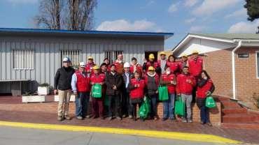 Recicladores de base de Maipú visitan Planta de reciclaje de Cristalerías Toro